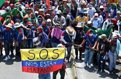 Dix-mille indigènes Colombiens marchent en direction de Bogotá pour dénoncer la barbarie  et y mettre fin